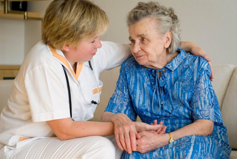 помощь при деменции больным